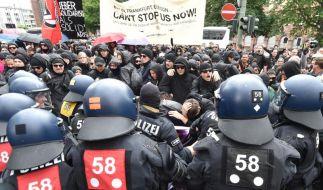 Zusammenstöße bei Protesten gegen Pegida-Ableger in Frankfurt (Foto)
