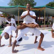 Weltrekord:Mehr als 35.000 Menschen in Yoga-Stunde (Foto)