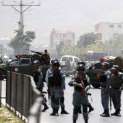 Taliban-Kämpfer greifen Parlament in Kabul an (Foto)
