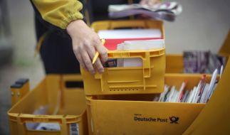 Der unbefristete Streik der Briefträger und Paketboten bringt die Deutsche Post immer mehr in Bedrängnis. (Foto)