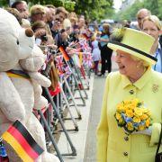 Elizabeth II setzt Zeichen gegen das Vergessen (Foto)