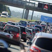 Vorsicht, Stau!ADAC-Stauprognose warnt vor Verkehrschaos (Foto)