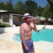 Diesen Urlaubs-Anblick wollte uns Boris Becker nicht ersparen.