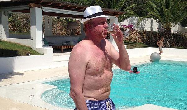Diesen Urlaubs-Anblick wollte uns Boris Becker nicht ersparen. (Foto)
