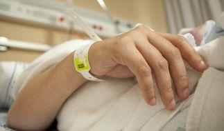Ein Pfleger versuchte, eine Patientin auf der Intensivstation zu vergewaltigen (Symbolbild). (Foto)