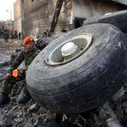 Flugzeugabsturz in Indonesien: Mehr als 140 Opfer (Foto)