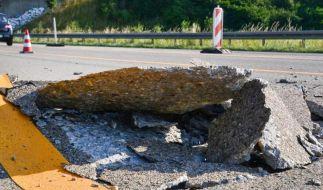 Durch die Hitze hat sich der Fahrbahnbelag auf der A5 in der Nähe der Anschlussstelle Heidelberg/Schwetzingen um rund 30 Zentimeter angehoben. Zwei Fahrzeuge erlitten deshalb einen leichten Unfall. (Foto)