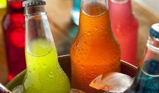 Süße Drinks können zu einer echten Gefahr werden. (Foto)