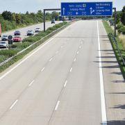 Folgeschäden: Aufgrund der Hitze kommt es immer wieder zu erheblichen Straßenschäden. Autobahnen werden teilweise komplett gesperrt.