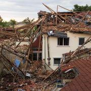 Windhosen, Blitzeinschläge und Überflutungen (Foto)