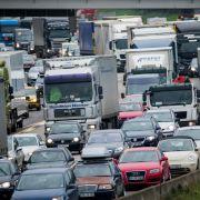 Stau auf den deutschen Straßen! Diese Autobahnen sind dicht (Foto)