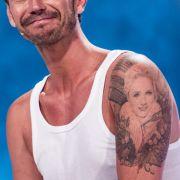 Küsse wie ein Liebes-Tattoo! Helene Fischer prangt auf seinem Bizeps (Foto)