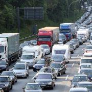 Reisewelle bricht nicht ab: Auf diesen Autobahnen geht am Wochenende nichts (Foto)