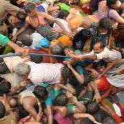 29 Menschen bei Hindufest totgetrampelt (Foto)