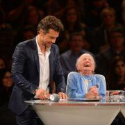 Oma (95) spielt um Geld - für ihre eigene Beerdigung (Foto)
