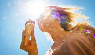 Bei der erneuten Hitze hilft nur ein Eis. (Foto)