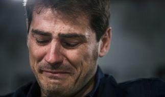Tränenreicher Abschied von Torwart-Legende Iker Casillas bei Real Madrid. (Foto)