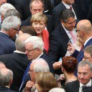 Bundestag stimmt für 3. Hilfspaket, Applaus für Schäuble (Foto)