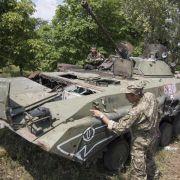 Separatisten ziehen schwere Waffen aus der Ostukraine ab (Foto)