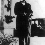 Filmlegende Charlie Chaplin musste gleich zwei seiner Kinder zu Grabe tragen.