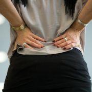 Rückenschmerzen treiben immer mehr Patienten ins Krankenhaus (Foto)