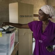 Blutige Gewalt bei Präsidentenwahl in Burundi (Foto)