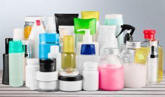 Kosmetikhersteller versprechen ihren Kunden gern das Blaue vom Himmel. (Foto)