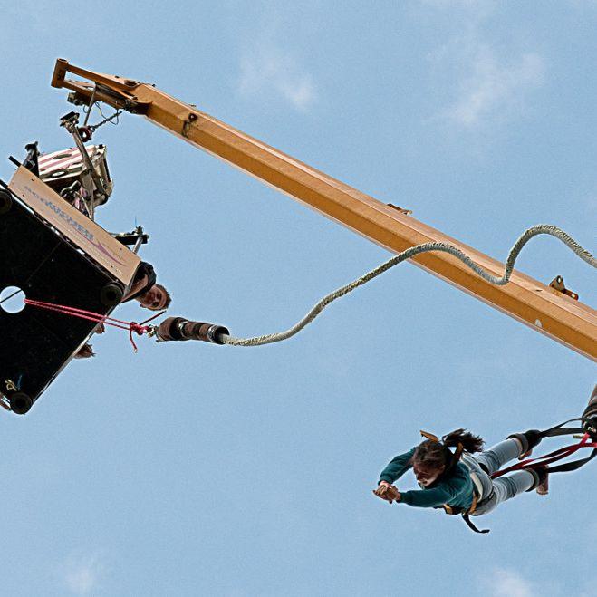 Junge Frau stirbt bei Bungee Jump: War das Seil zu lang? (Foto)