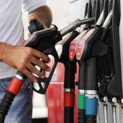 Benzinpreise sinken zu Ferienbeginn (Foto)