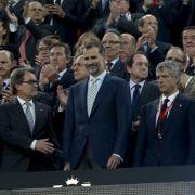 Pfiffe gegen den König: Barca muss zahlen (Foto)