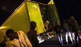 Die Flüchtlingskrise in Calais spitzt sich immer weiter zu. (Foto)