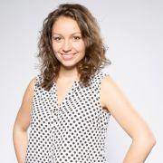 Christin(24) ist Gesangsstudentin und Musikschullehrerin aus Cottbus. Wollte sie als Kind immer Disneys Pocahontas sein, rockt sie heute bei Auftritten mit ihrer eigenen Band