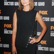 Jenna Coleman spielt die Begleitung des Doctors, Clara Oswald.
