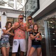 Kamerageile Promi-Eltern - sie zerren ihre Kids ins Rampenlicht! (Foto)