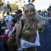 Ultraorthodoxer Jude sticht Homosexuelle nieder (Foto)