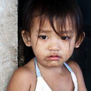 Kinder wie Tiere in Käfig gesperrt (Foto)