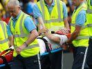 Ciro Immobile muss verletzt vom Platz, wird von Sanitätern beatmet. (Foto)