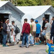 Bund will Hilfe für Flüchtlinge vor dem Winter klären (Foto)