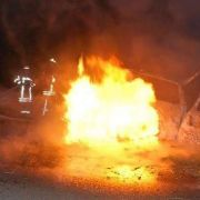 19-Jährige zieht Zwillings-Bruder aus brennendem Auto (Foto)
