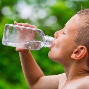 Studie beweist: Zu viel Wasser macht krank (Foto)