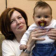 So geht es den Baby-Vierlingen der 65-Jährigen (Foto)