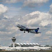 Nach Axt-Vorfall im Flieger: Wie viel Alkohol ist erlaubt? (Foto)