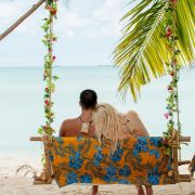 Im einsamen Südseeparadies, fernab der Zivilisation, sollen sich mutige Singles verlieben.