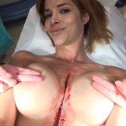 Bei jeder Gelegenheit hält Micaela Schäfer ihre Brüste in irgend eine Kamera.