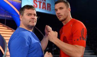 """Elton (links) und Lukas Podolski messen sich bei """"Schlag den Star"""". (Foto)"""
