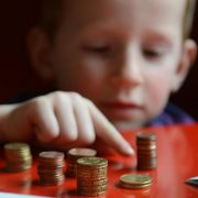 Kinder haben weniger Taschengeld, aber teure Wünsche (Foto)