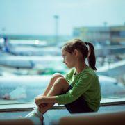 Skandal! Air Berlin lässt Kind alleine zurück (Foto)