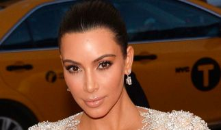 Zweifler glauben, dass Kim Kardashian ihre Schwangerschaft nur vortäuscht. (Foto)