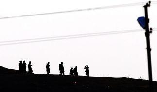 Die Taliban haben die Methoden des IS offiziell verurteilt. Die Reaktion unterstreicht den wachsenden Konflikt zwischen den Extremisten-Gruppen. Der IS konnte zuletzt Anhänger der Taliban abzuwerben. (Foto)