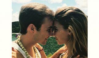 Mario Götz mit seiner Model-Freundin Ann-Kathrin Brömmel beim romantischen Hawaii-Urlaub. (Foto)